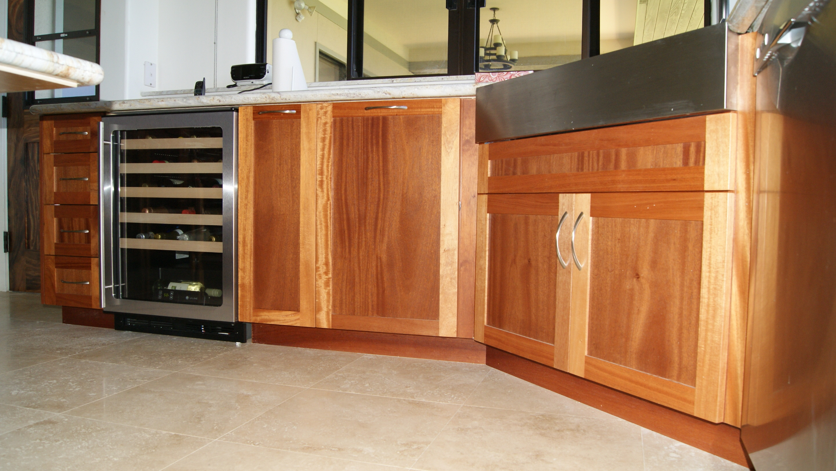 Kitchen gallery north shore wood works for Mahogany kitchen designs